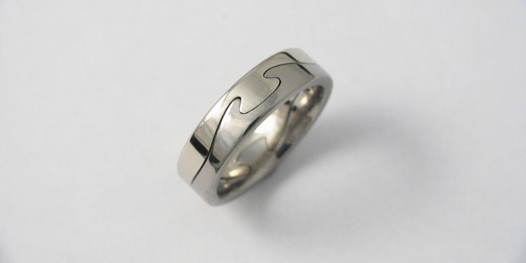 Arany-titán gyűrű A002.