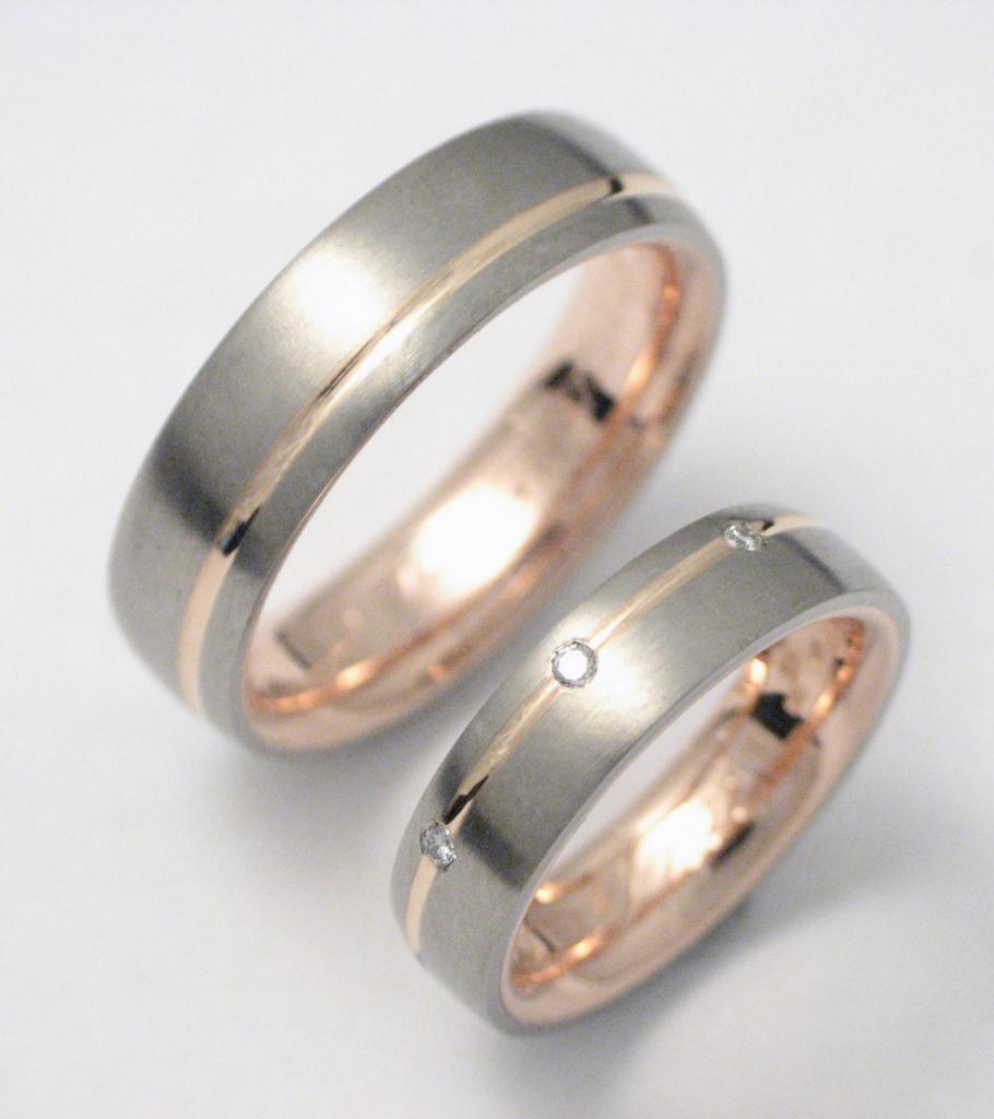 arany-titán karikagyűrű gyémántokkal 005.