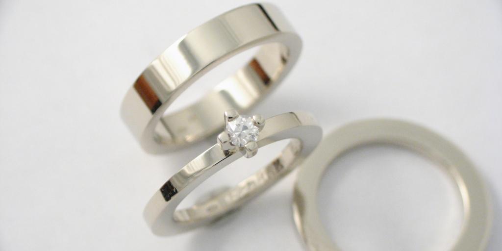 fehérarany karikagyűrű és jegygyűrű gyémánttal 014.