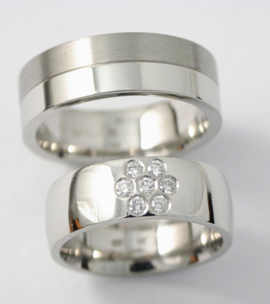 platina karikagyűrű gyémántokkal 005.