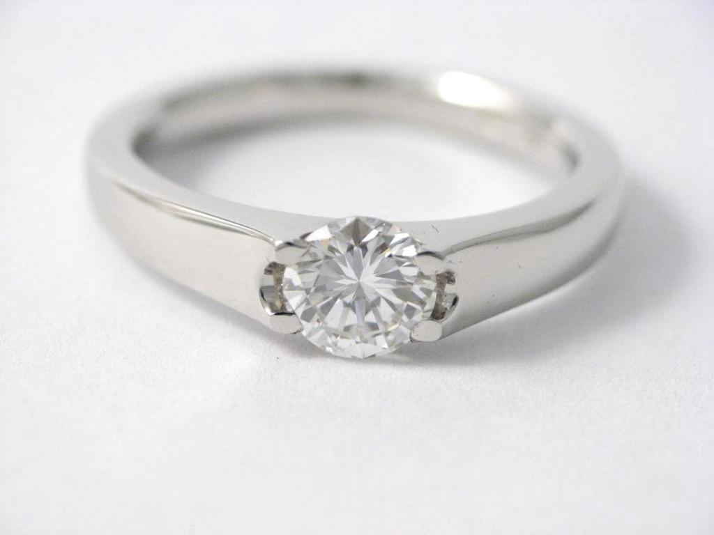 platina jegygyűrű gyémánttal 014.