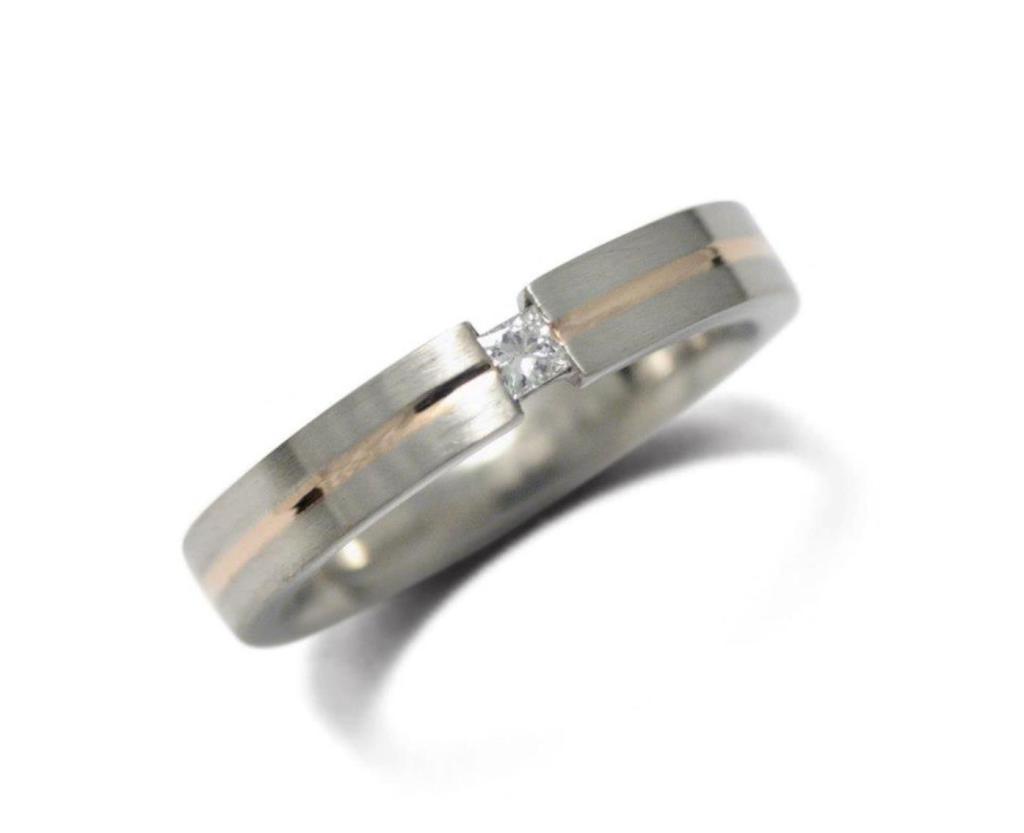 platina-vörösarany gyűrű, gyémánttal 016.