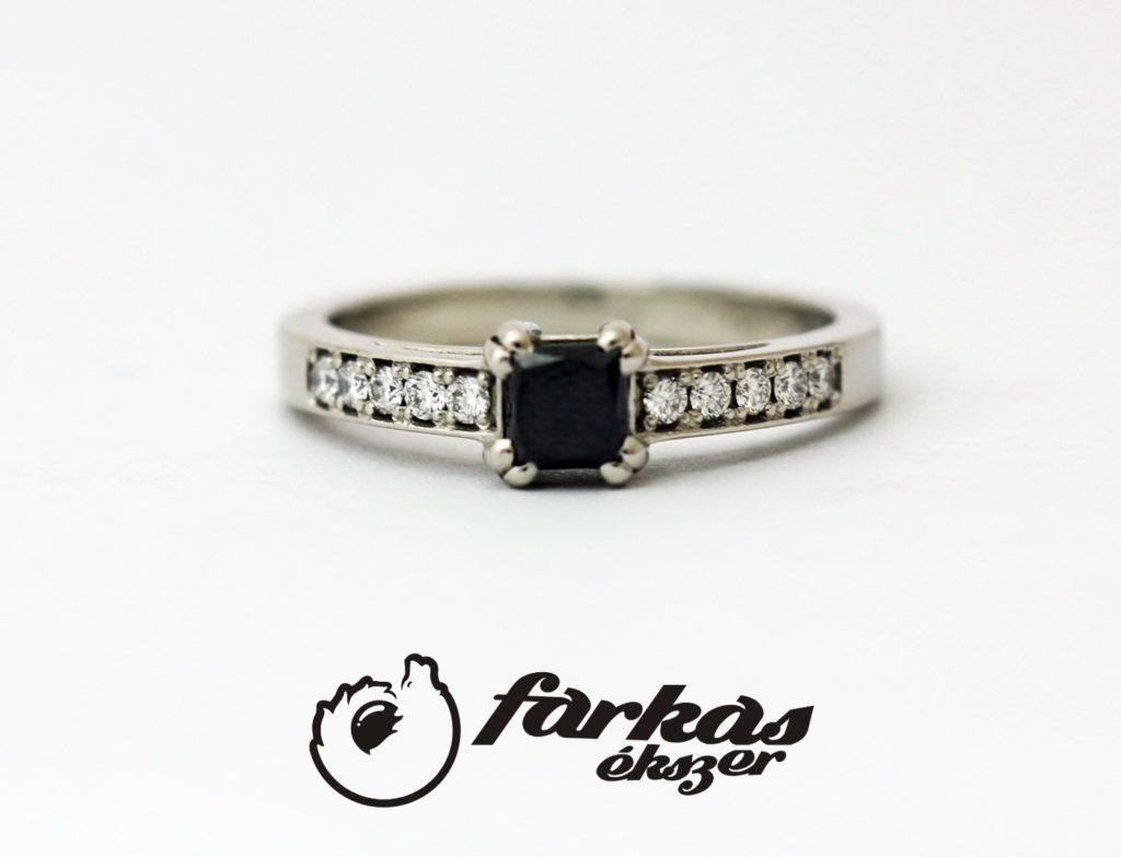 Platina gyűrű fekete és fehér gyémántokkal 051.