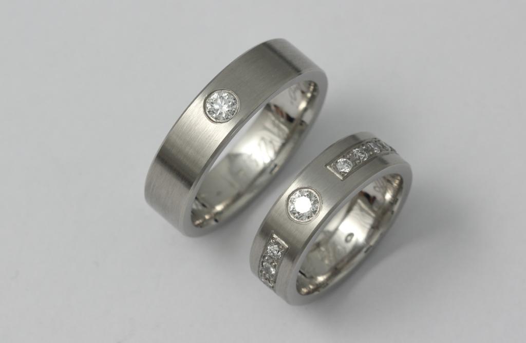 Platina karikagyűrű gyémántokkal 020.