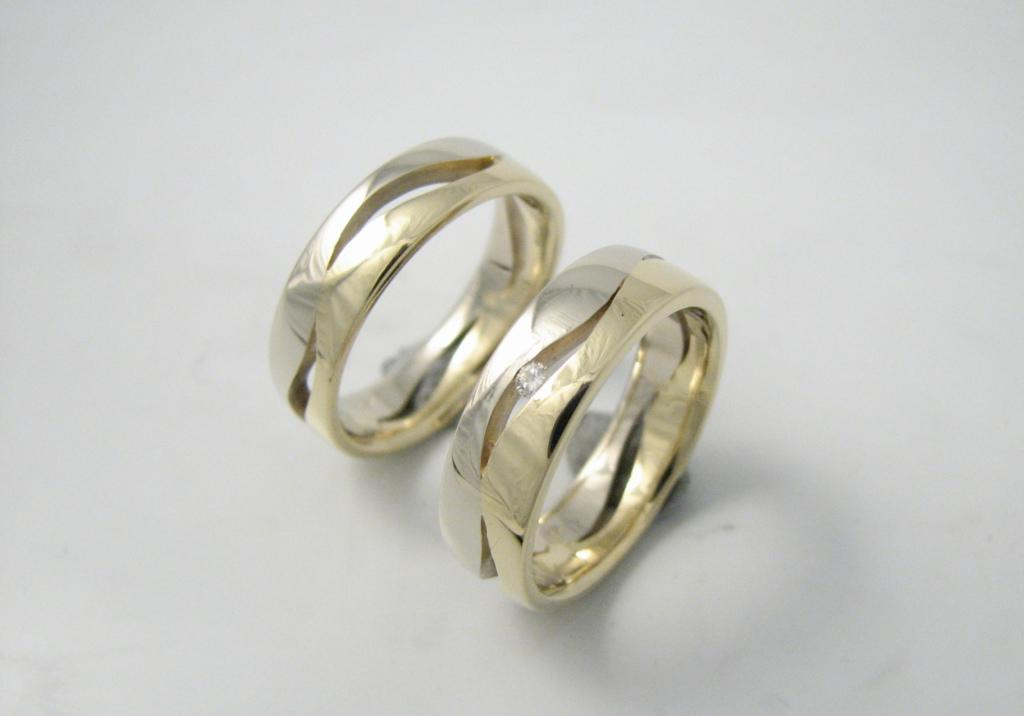 arany karikagyűrű gyémánttal 021.