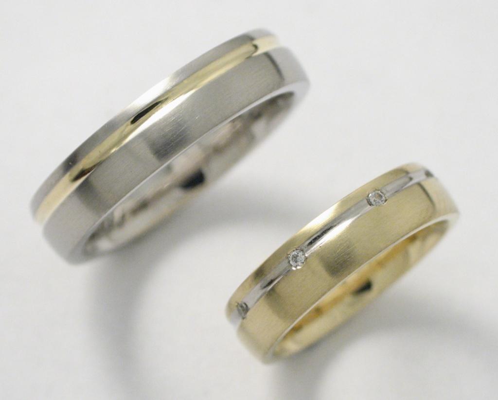 Arany-titán karikagyűrű gyémántokkal 044.
