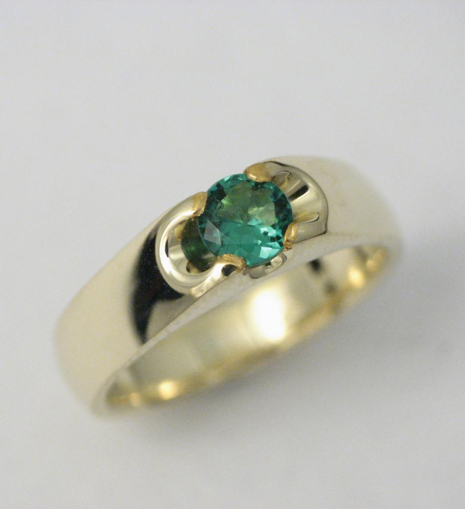 arany jegygyűrű smaragddal 023.
