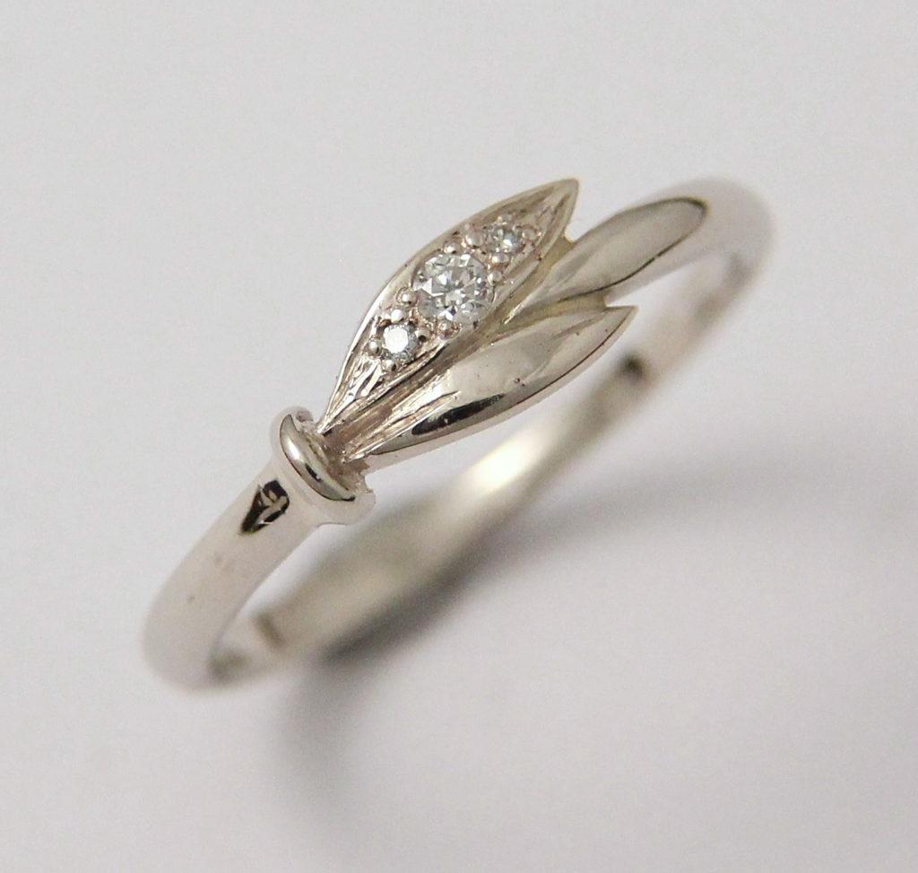 Arany gyűrű gyémántokkal 047.