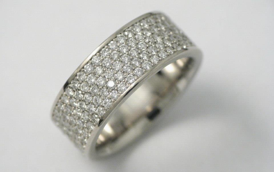 Fehérarany gyűrű gyémántokkal 78.