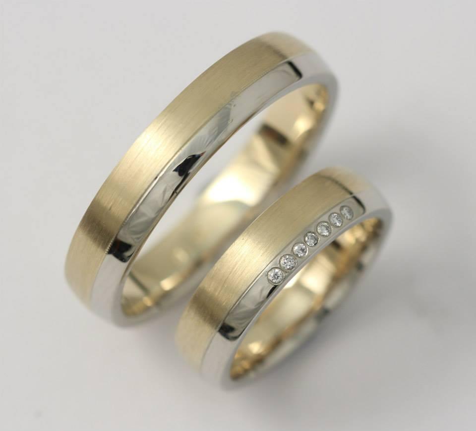 Arany karikagyűrű gyémántokkal 027.