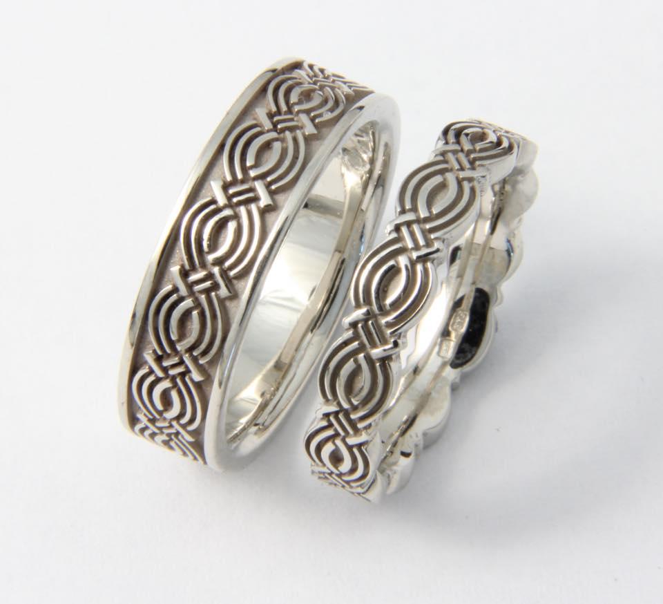 Fehérarany karikagyűrű 034.