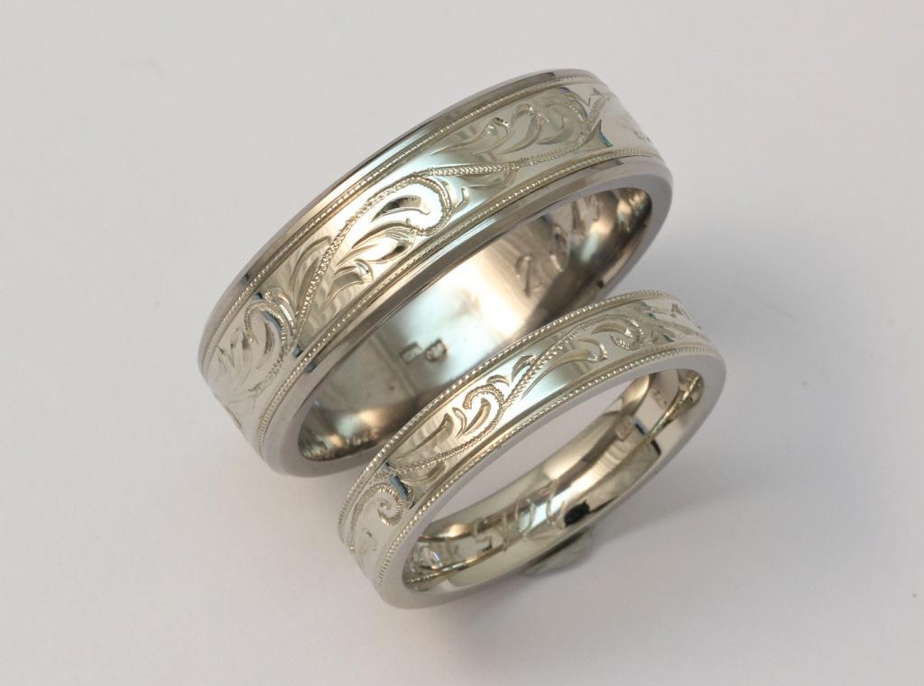 Vésett fehérarany karikagyűrű 062.