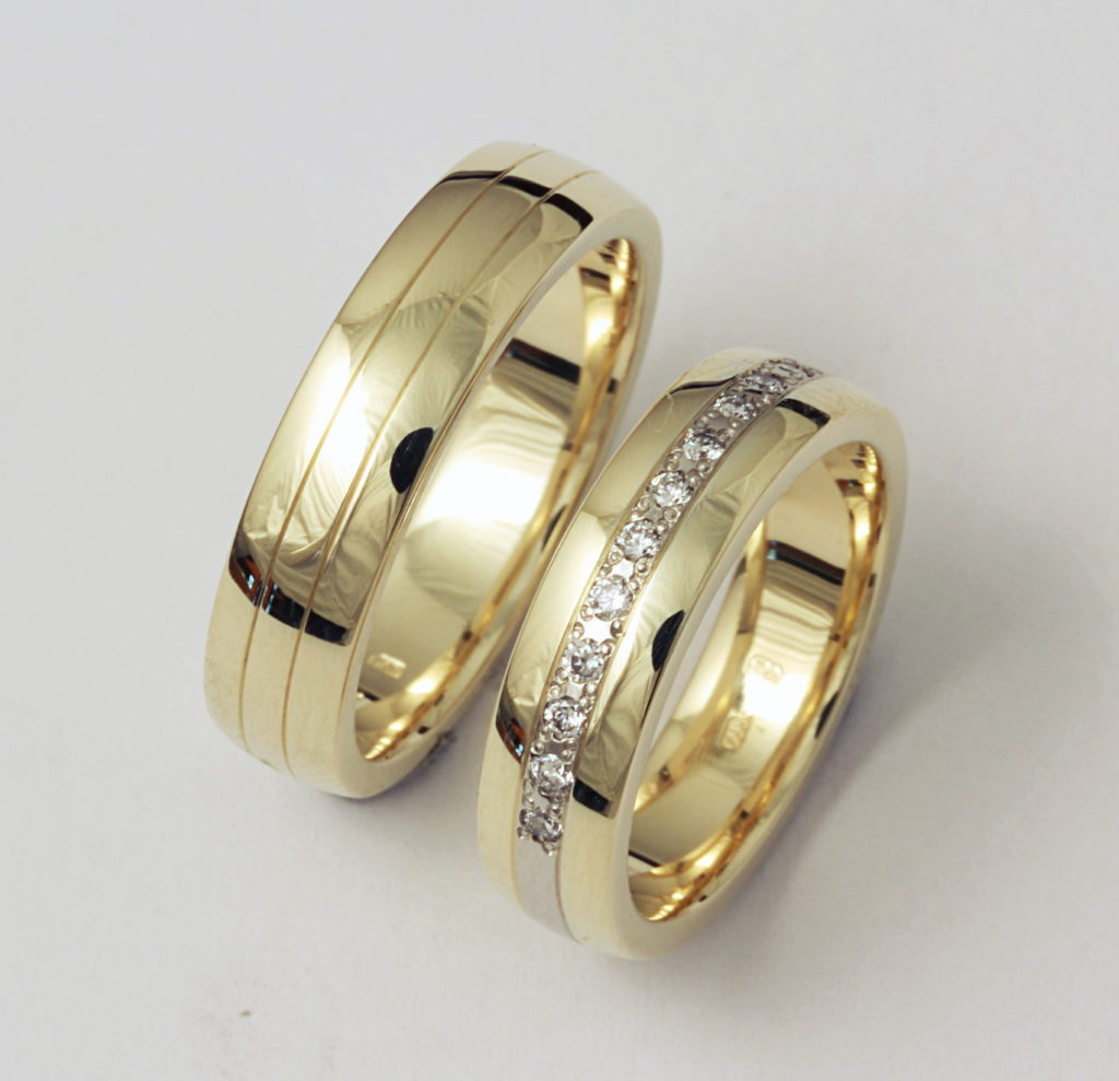 Sárga arany karikagyűrűk, gyémántokkal 067.