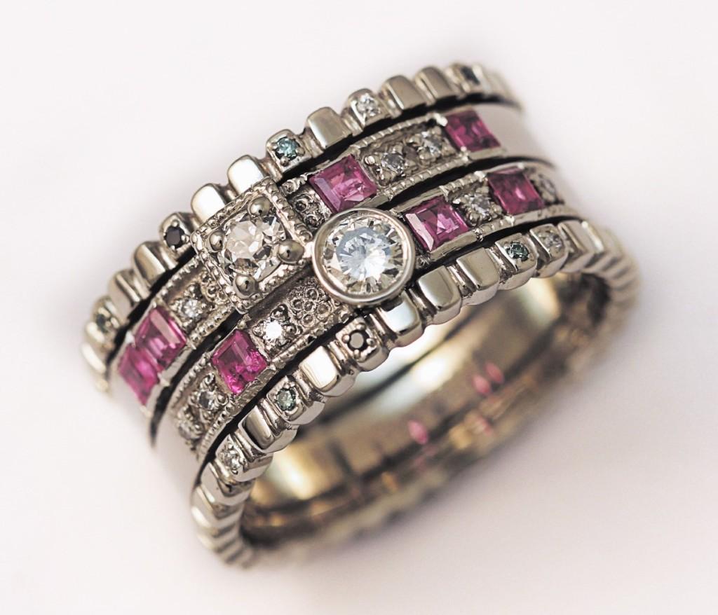 Arany gyűrű rubinokkal és gyémántokkal 068.