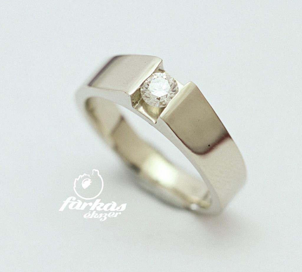 Fehérarany gyűrű gyémánttal 091.