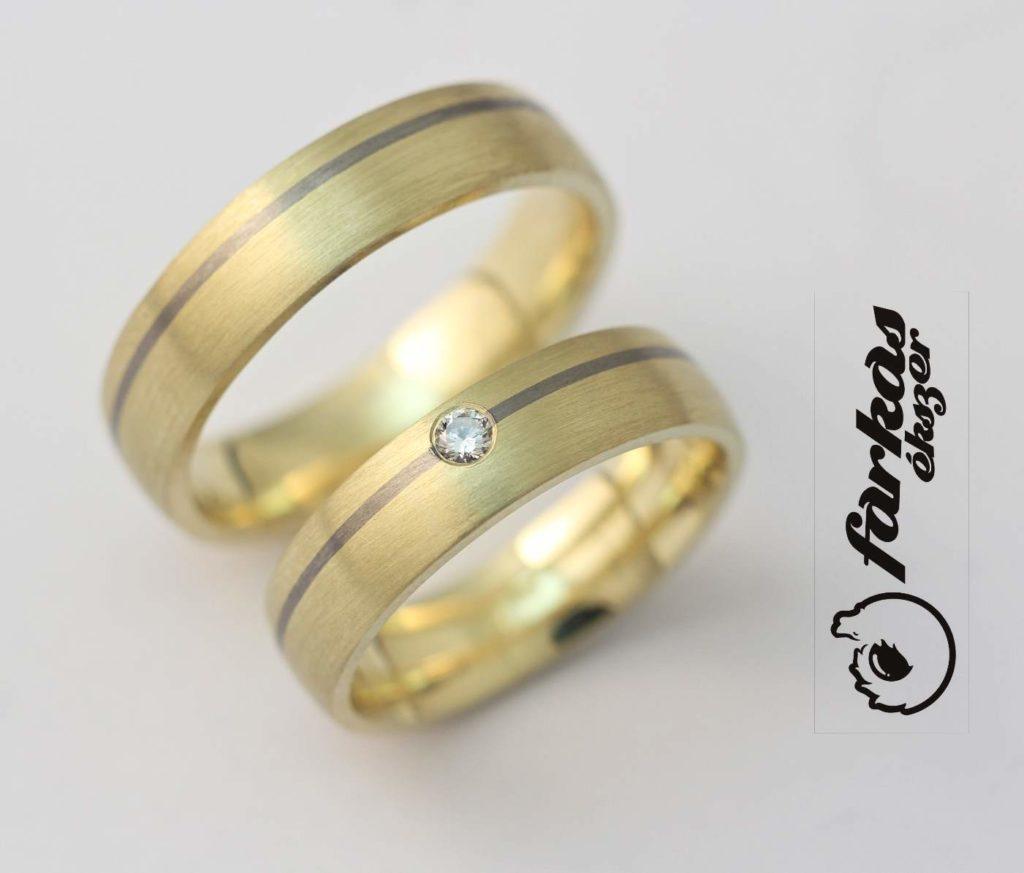 Sárga arany-titán karikagyűrű gyémántokkal 96.