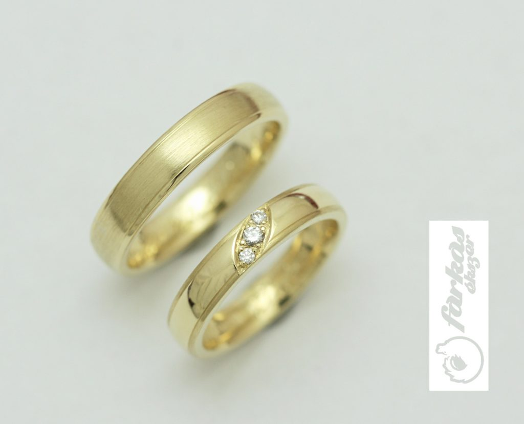Sárga arany karikagyűrű gyémántokkal 97.