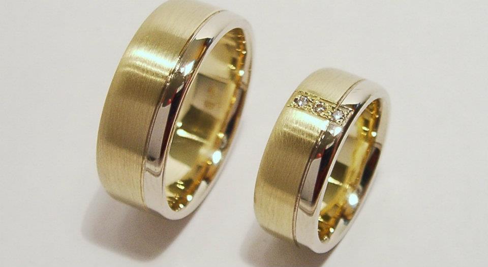arany karikagyűrű gyémántokkal 025.