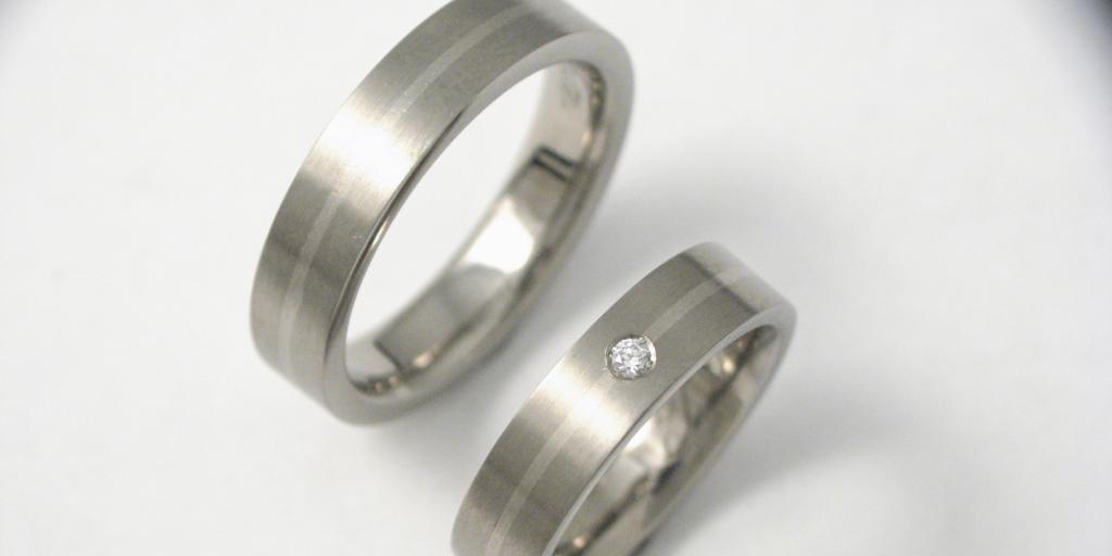 Titán-palládium karikagyűrű gyémánttal 002.
