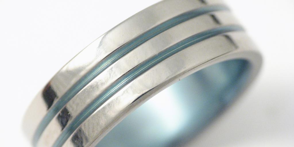 Titán gyűrű, színesre oxidálva 003.
