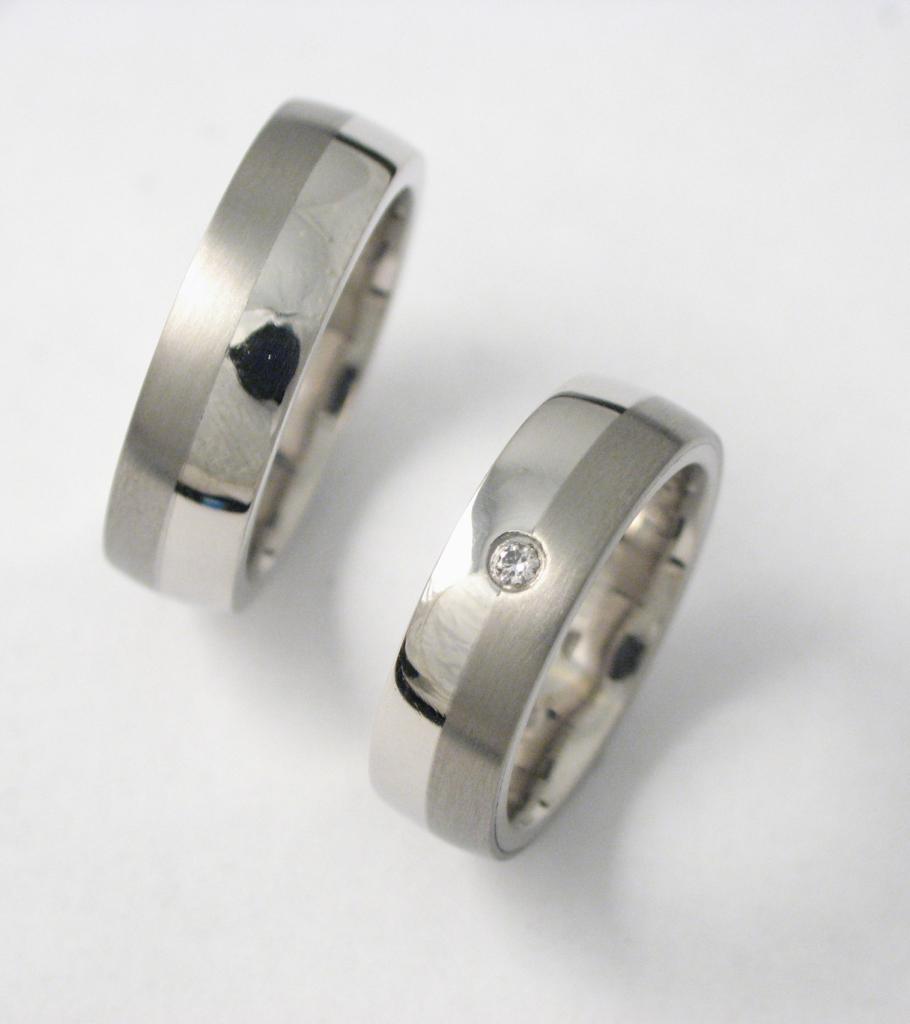 Palládium karikagyűrű gyémánttal 001.