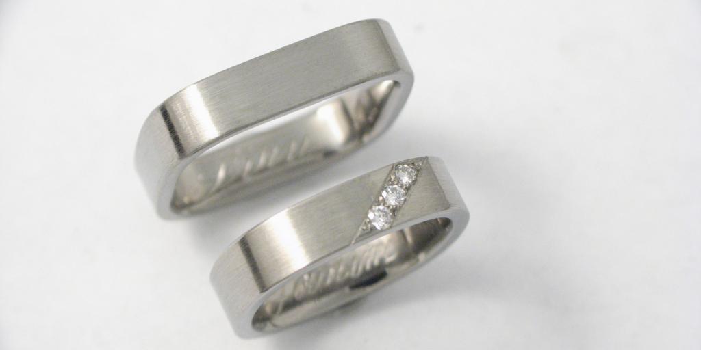 Titán karikagyűrű gyémántokkal 023.
