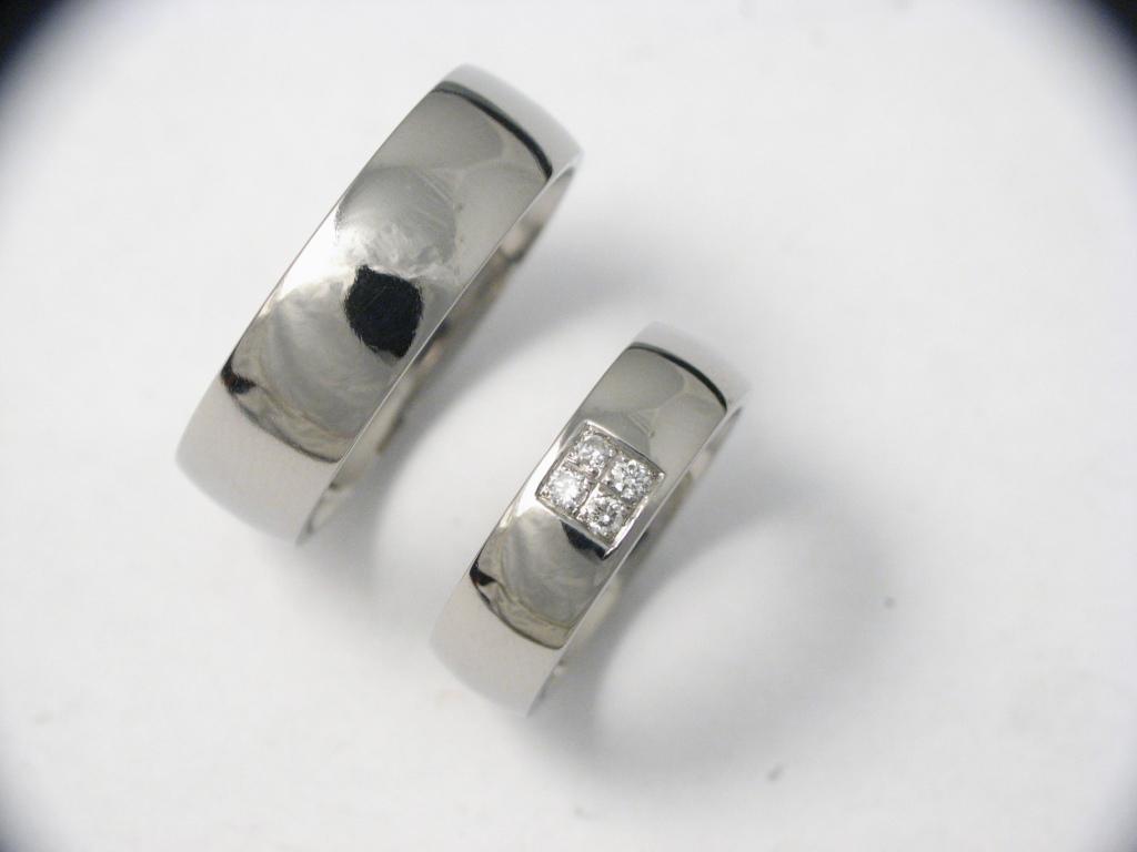 Titán karikagyűrű gyémántokkal 026.