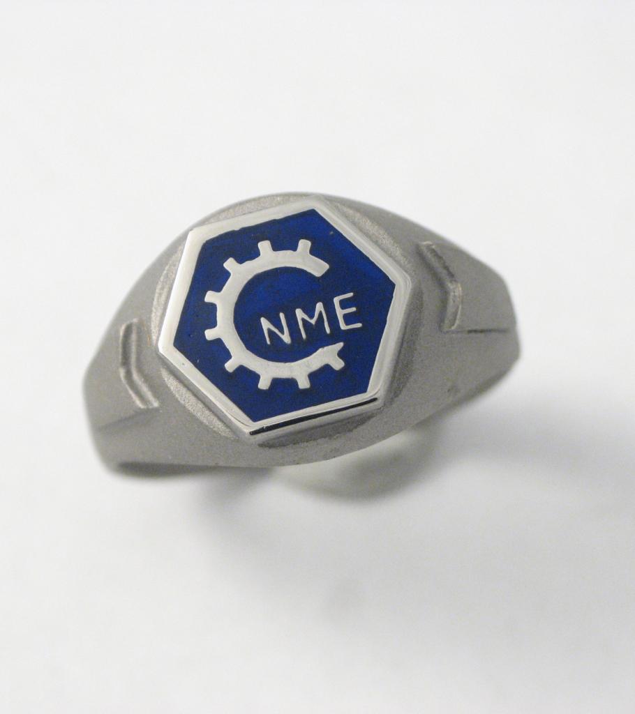 Titán pecsétgyűrű kerámiával 027.