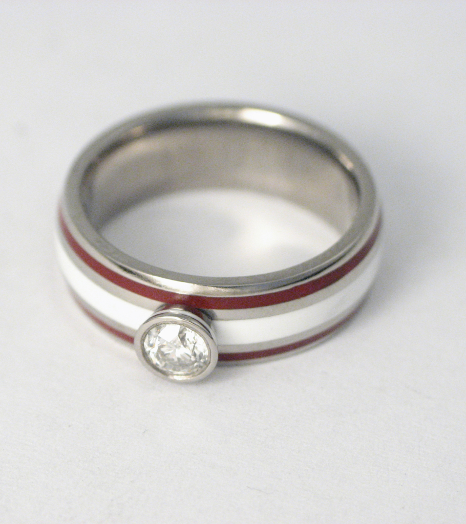 Titán gyűrű kerámiával és gyémánttal 034.