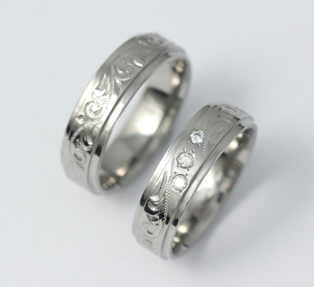 Vésett titán karikagyűrű gyémántokkal 118.