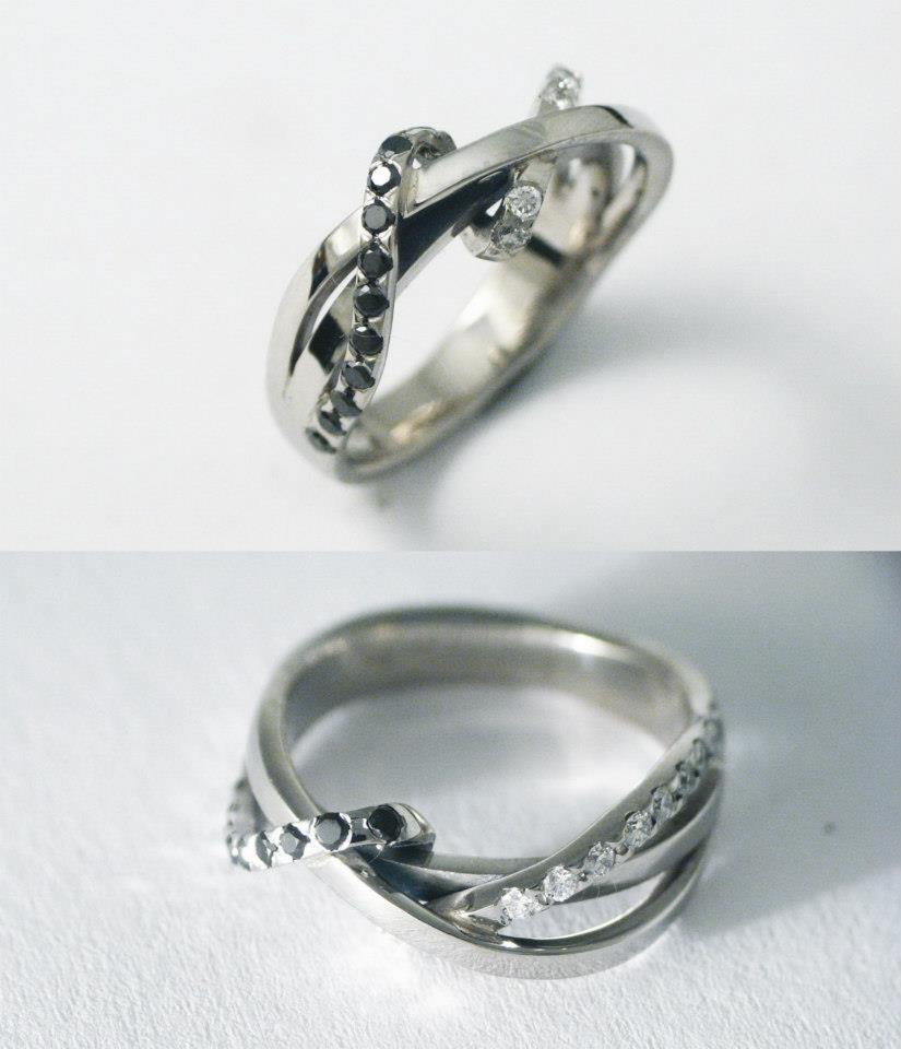 Palládium gyűrű, fekete és fehér gyémántokkal 024.