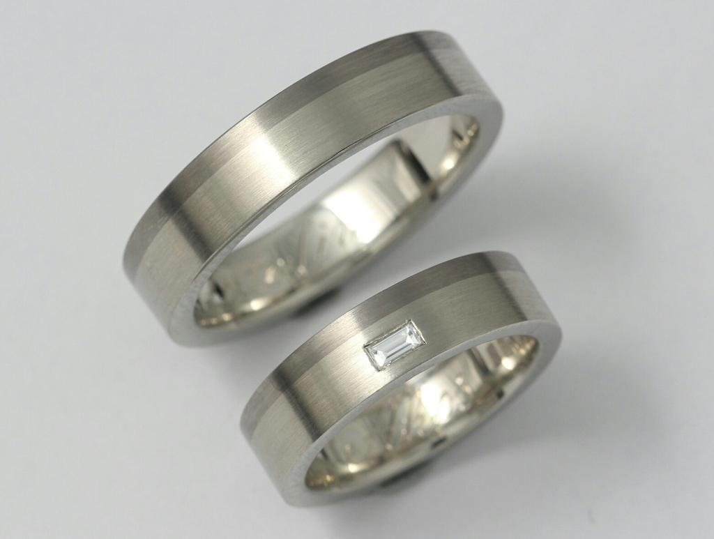 Palládium-titán karikagyűrű gyémánttal 017.