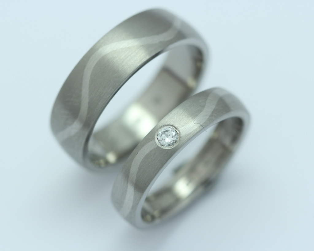 Titán-palládium karikagyűrű, gyémánttal 162.