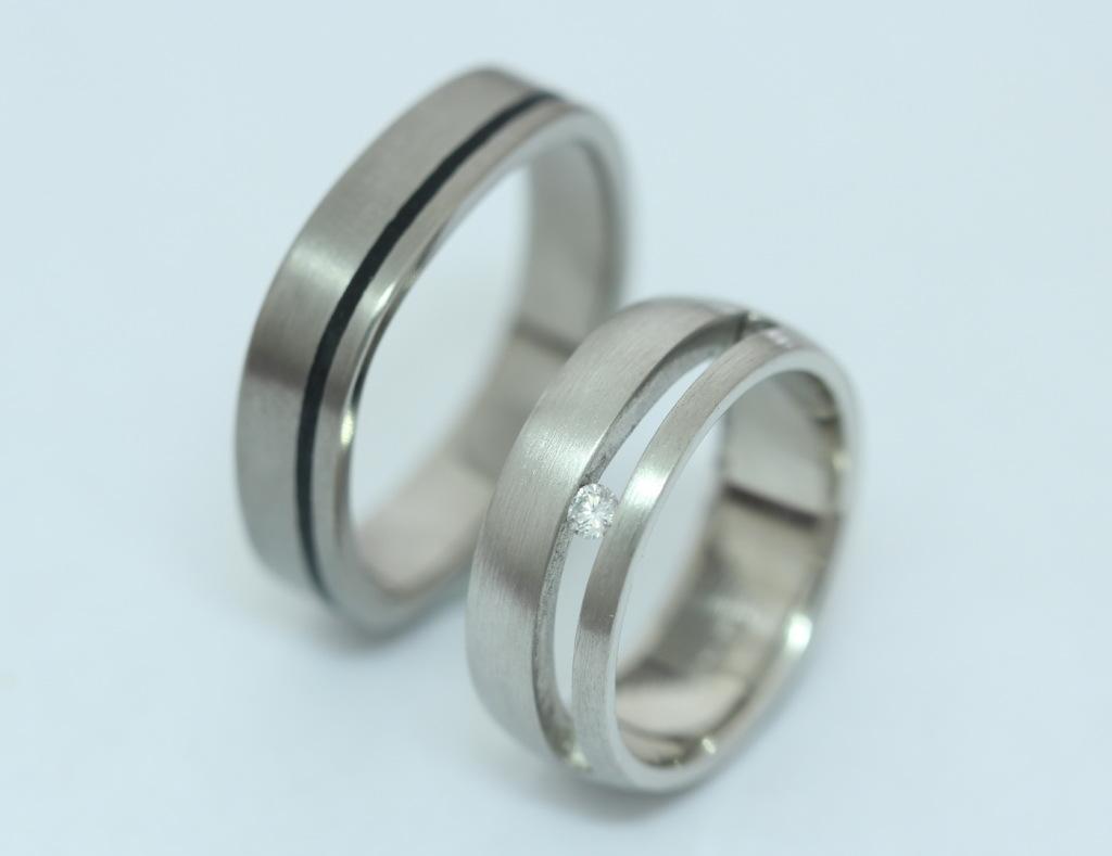Palládium-titán karikagyűrű, gyémánttal 028.