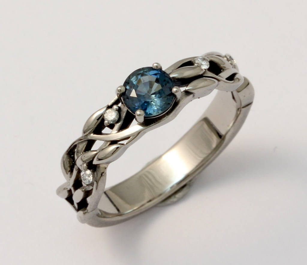 Palládium jegygyűrű zafírral és gyémántokkal 018.