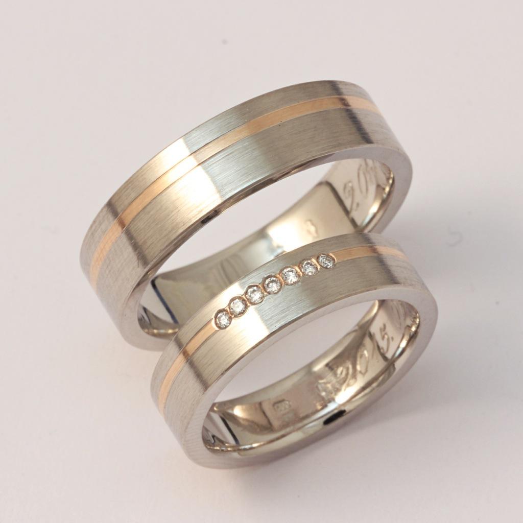 Palládium-vörösarany karikagyűrű gyémántokkal 021.