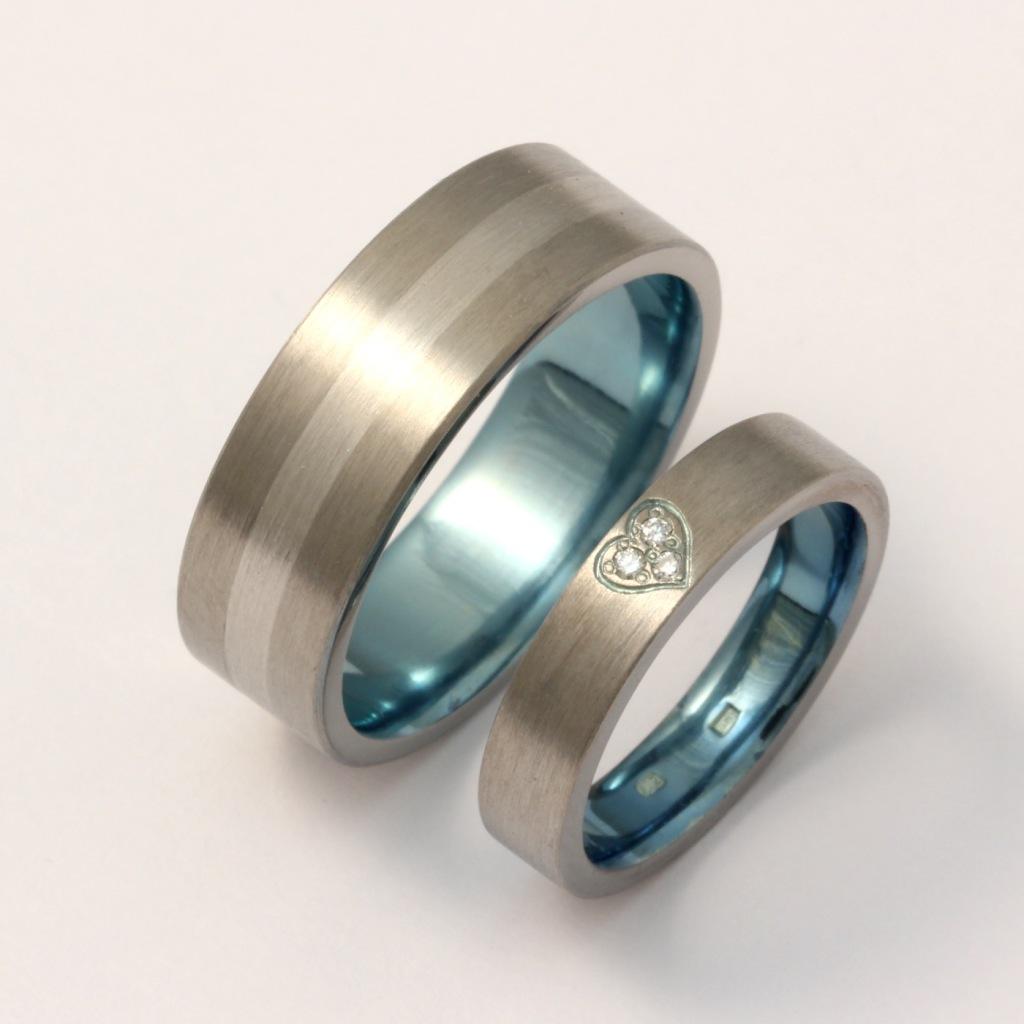 Titán-palládium karikagyűrű gyémántokkal 136.