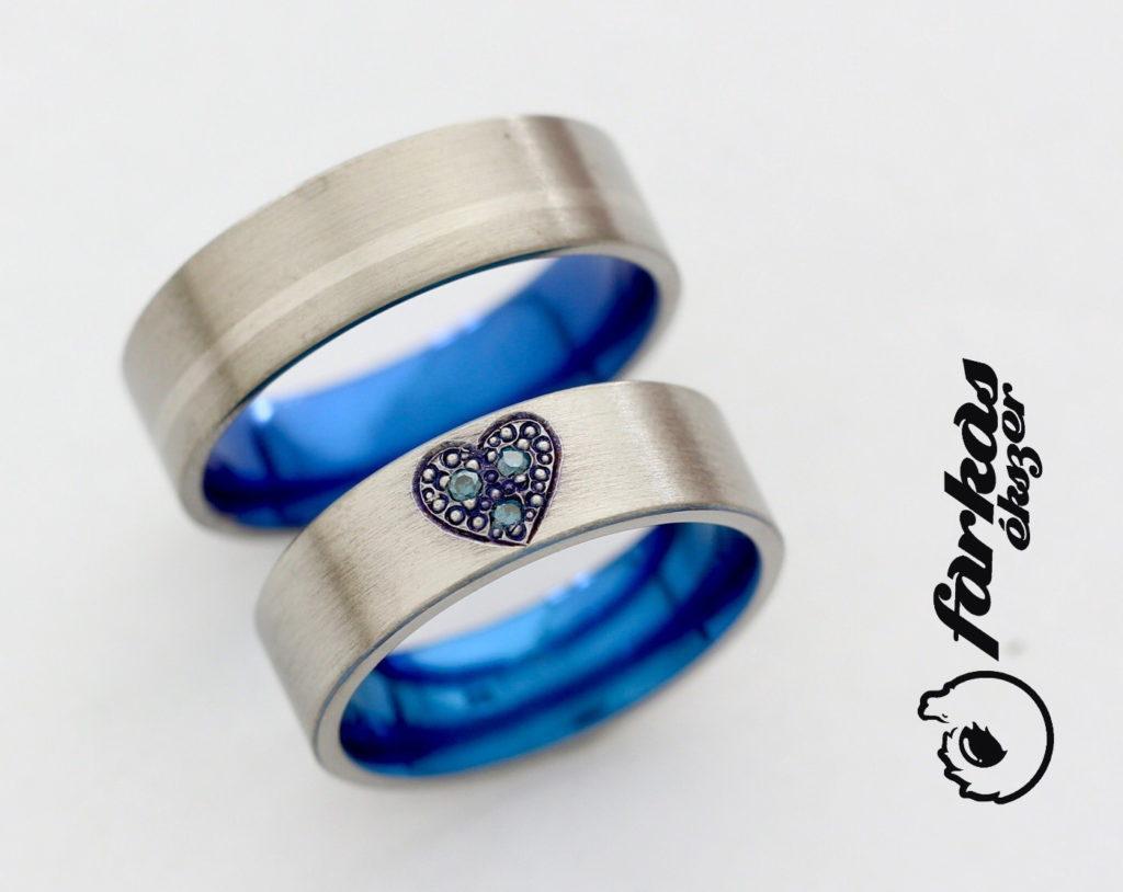 Titán-palládium karikagyűrűk kék gyémántokkal, belül oxidált 223.