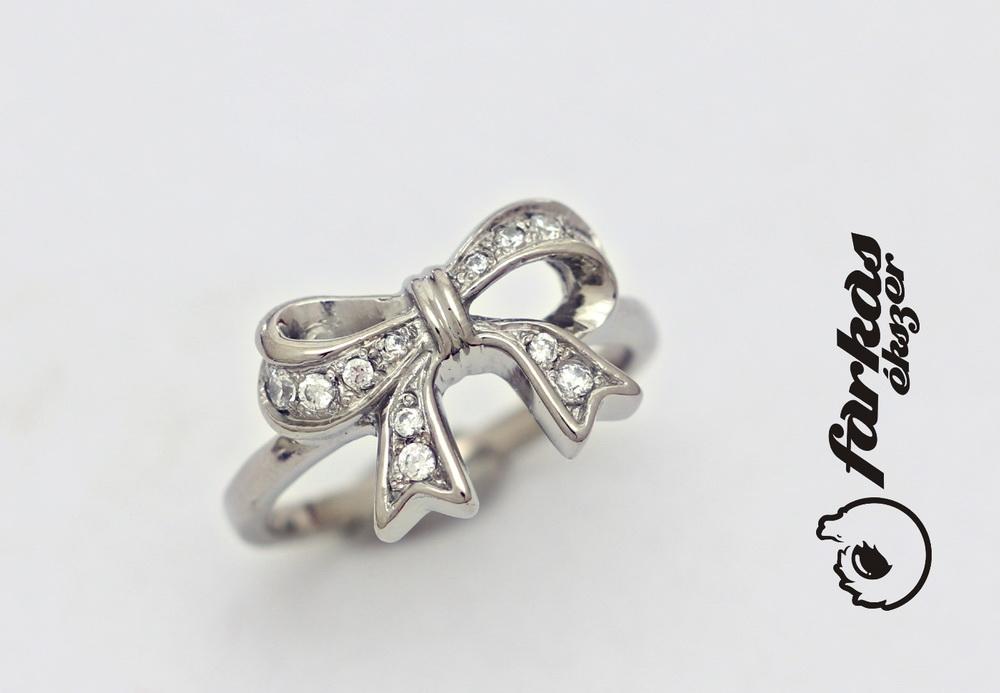 Titán gyűrű gyémántokkal 231.