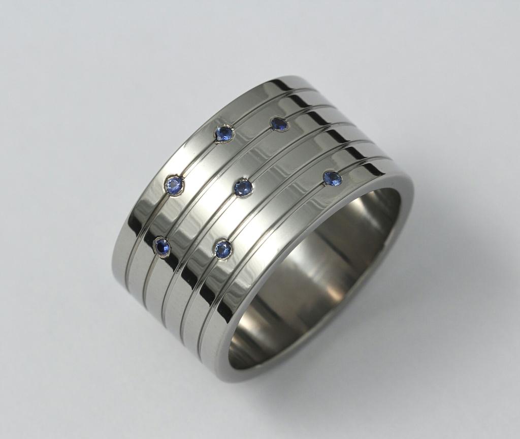 Titan gyűrű zafírokkal 117.