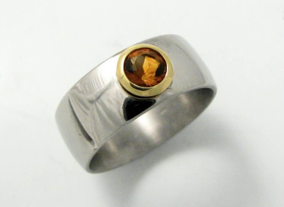 Titán-arany gyűrű citrinnel 095.
