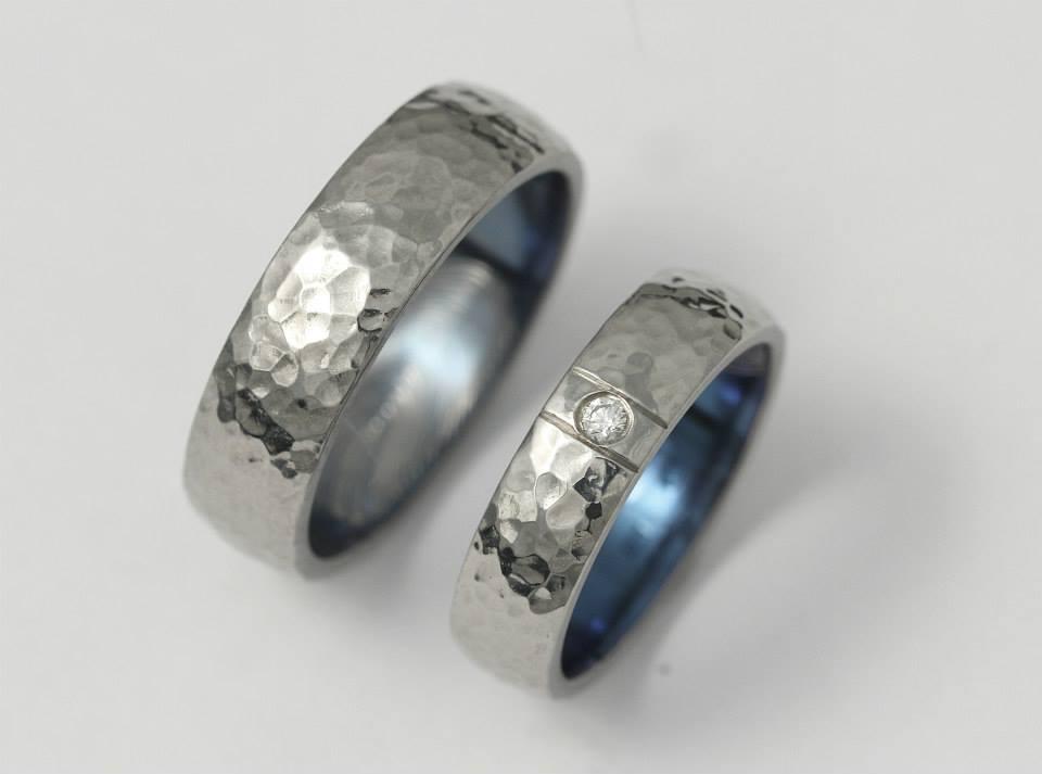 Titán karikagyűrű gyémánttal 076.