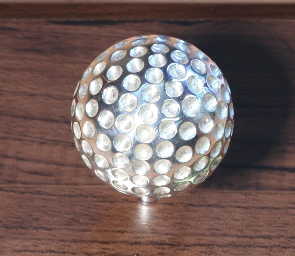 Ezüst golflabda 018.