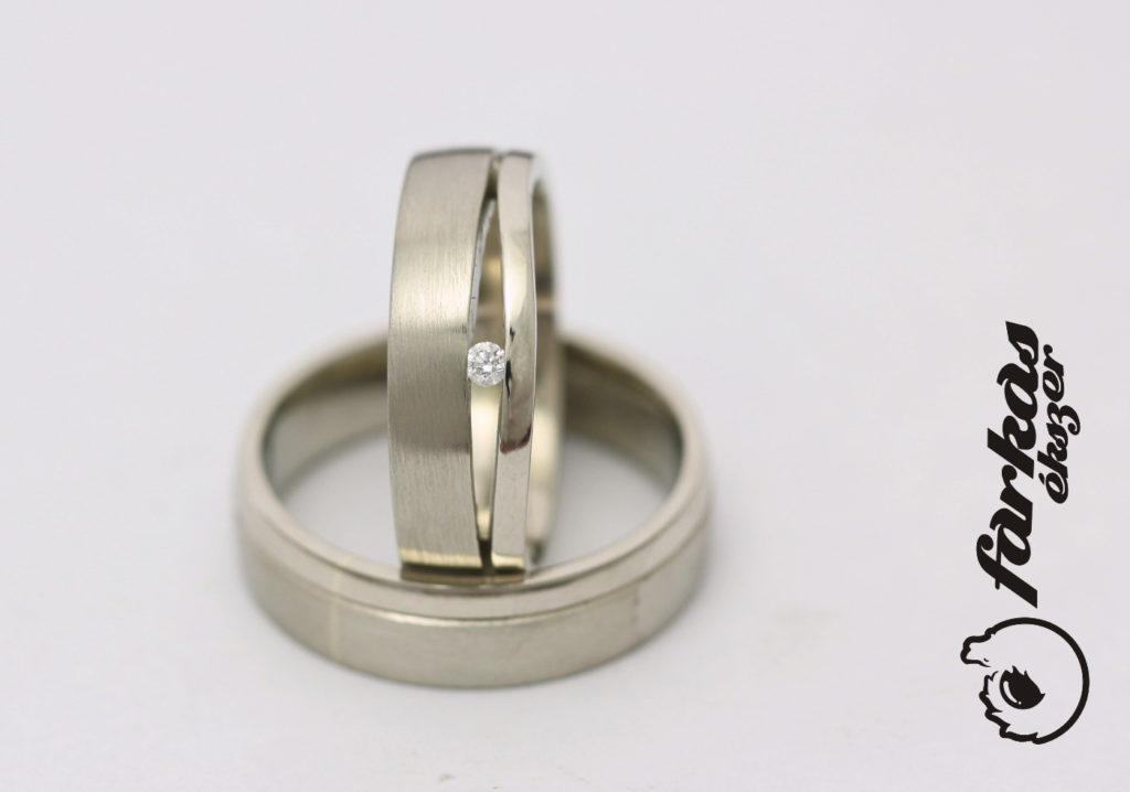 Arany karikagyűrűk gyémánttal 115.