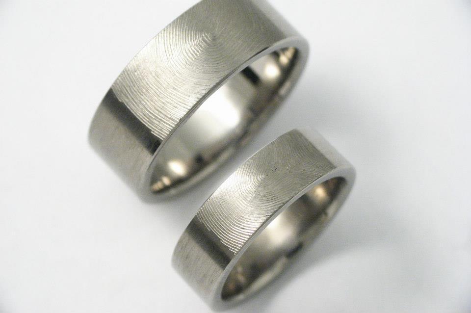Ujjlenyomatos titán karikagyűrűk 007.