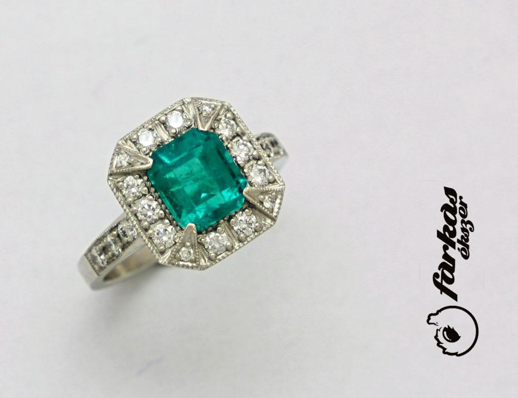 Platina gyűrű smaragddal és gyémántokkal 054.