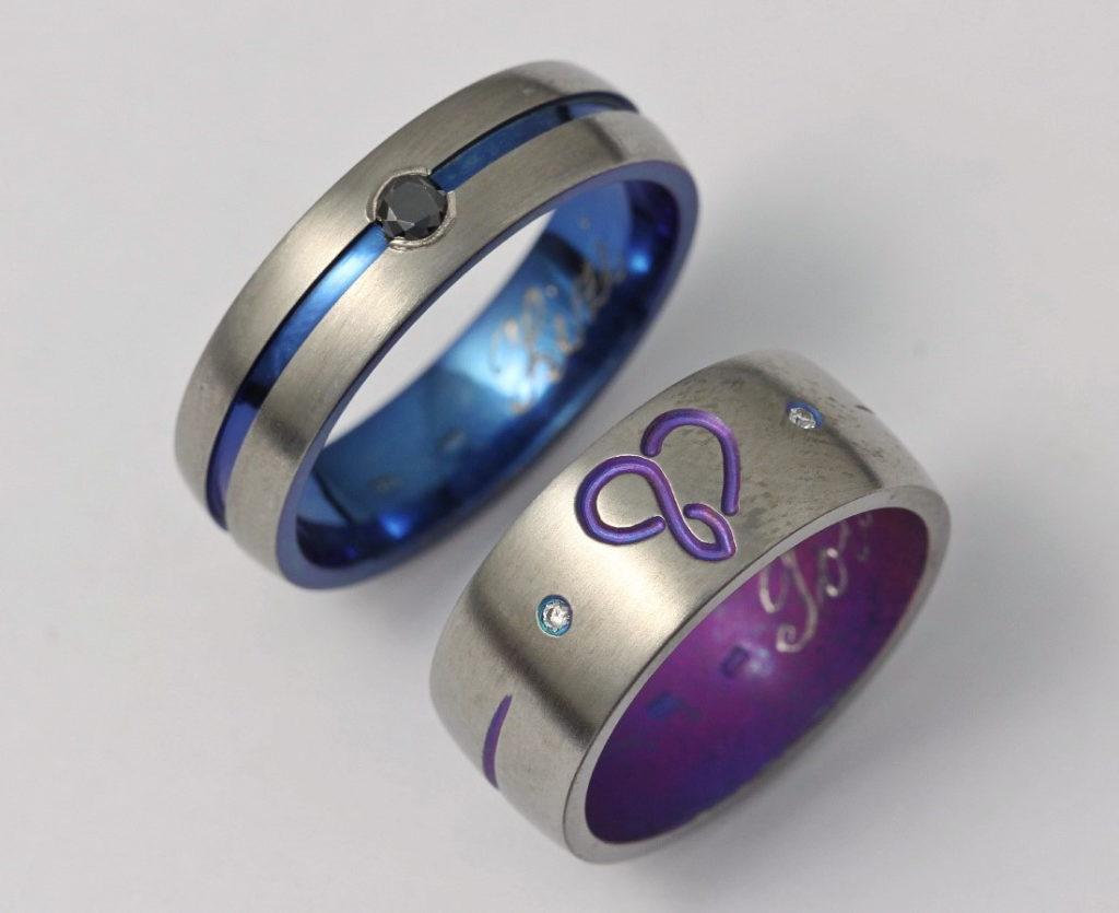 Színes titán karikagyűrű gyémántokkal 131.