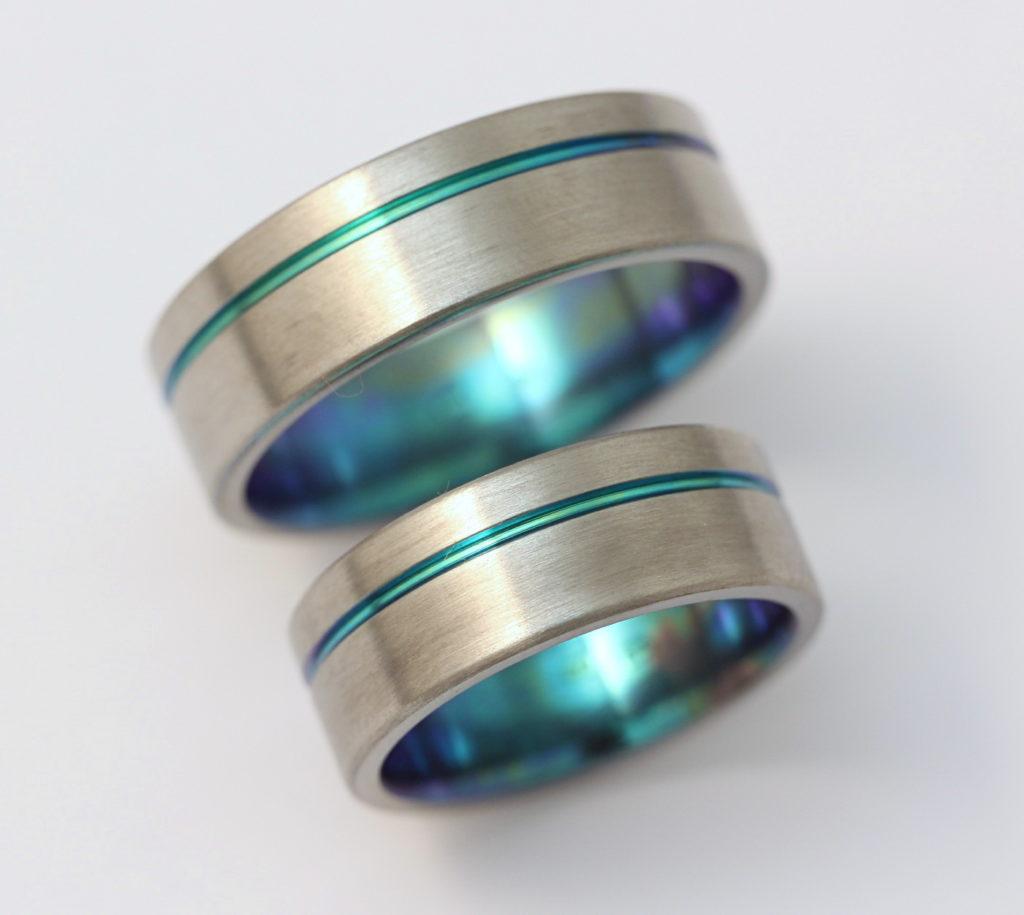 Zöld oxidos titán karikagyűrű 134.