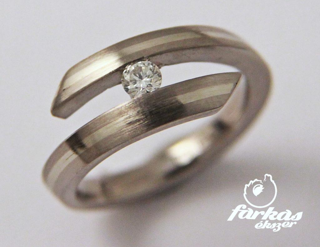 Titán-arany gyűrű, gyémánttal 179.
