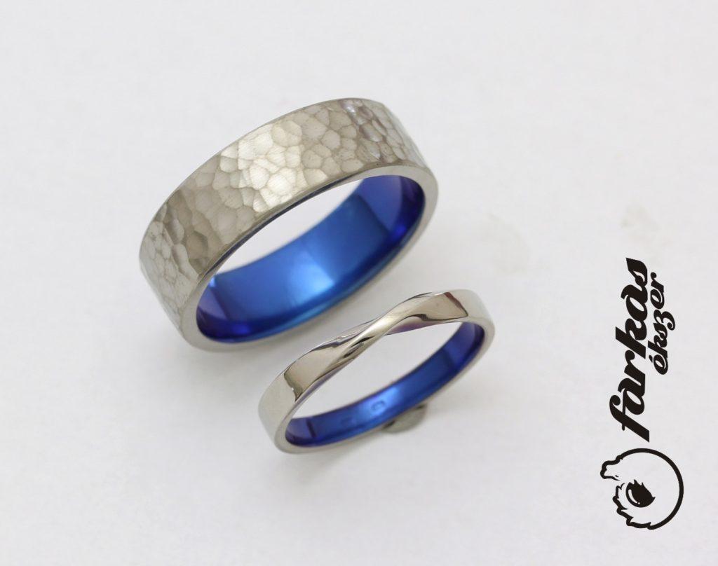 Titán karikagyűrűk (kalapált, Möbiusz) belül oxidált  264.